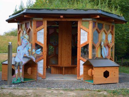 Ein Haus für Bienen - Bienenpavillion